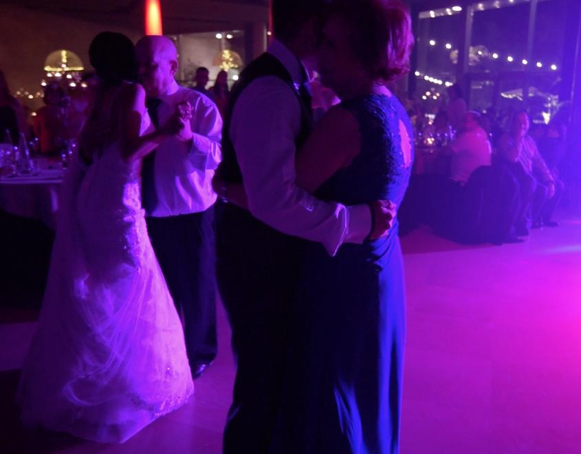baile de novios con padrinos
