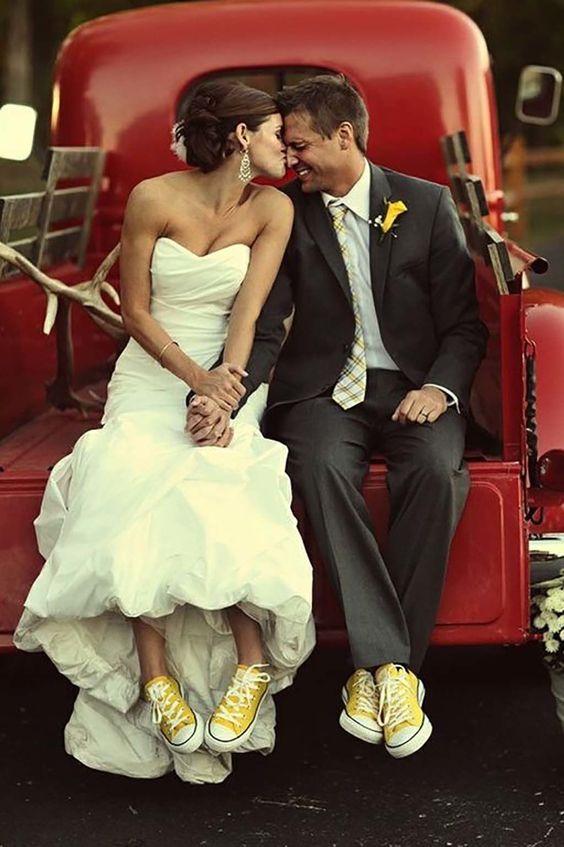 novia con zapatillas para bailar