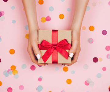 Regalos únicos para regalar a los padres el día de tu boda